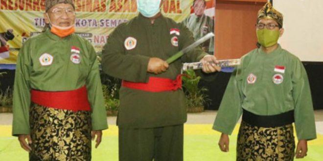 Walikota Semarang Menjadi Anggota Kehormatan Persinas Asad, Pakai Sabuk Merah dan Golok